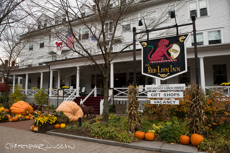 Red Lion Inn wedding photography in Stockbridge, MA by Christopher Duggan Photography