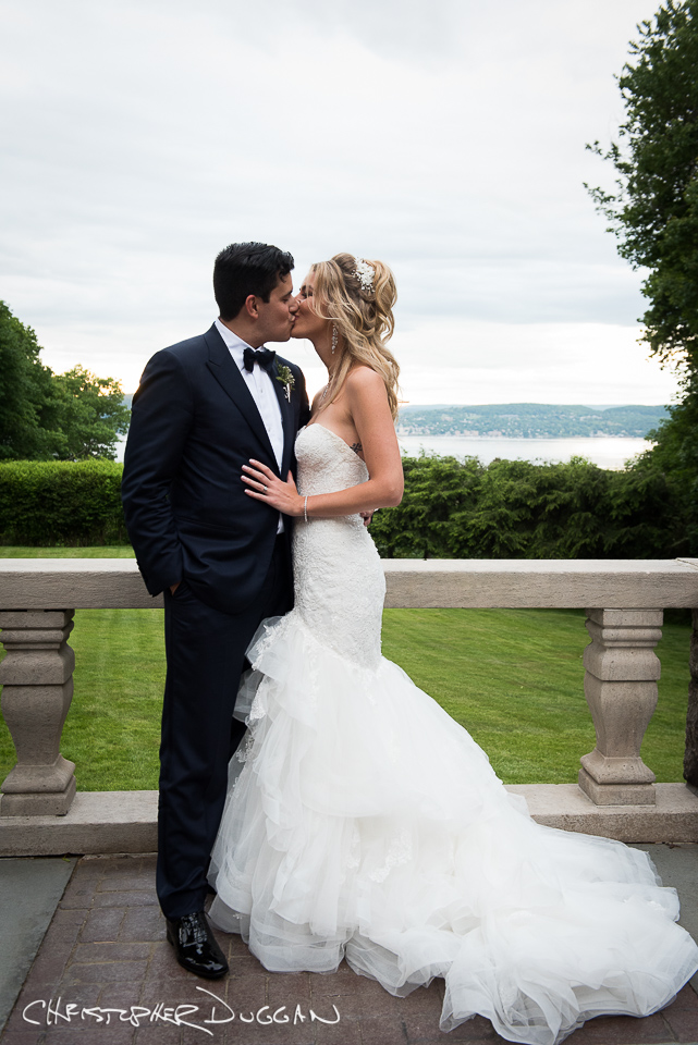 Tappan Hill Wedding Photos by Christopher Duggan Photography