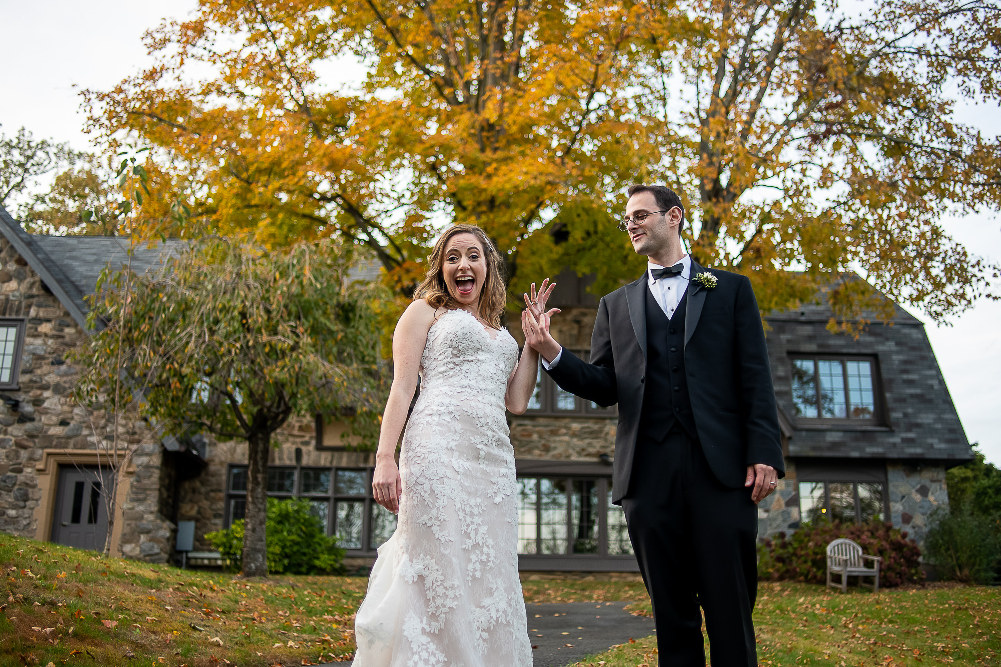 Erica & Michael's micro-wedding at Bet Am Shalom; photos by Christopher Duggan